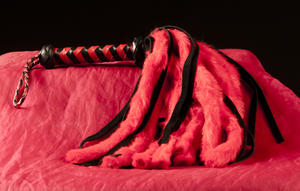 Short Red/Black whip – Shaman